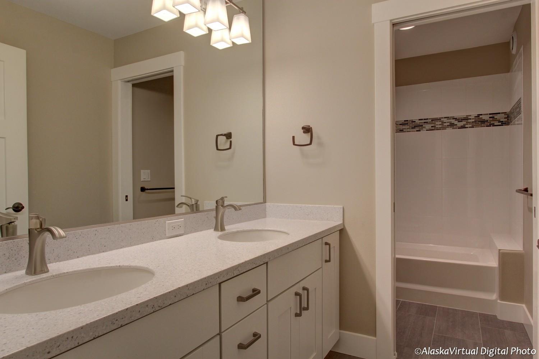 Merlot II third bathroom